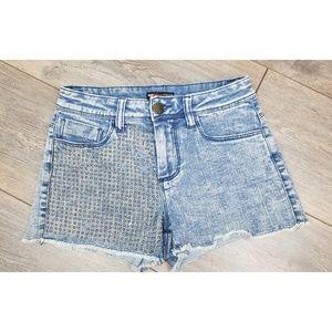 Teen Vogue for mstylelab denim cut-off shorts